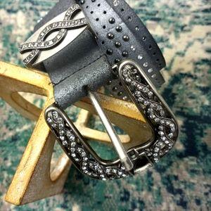 Buckle Women's Gray Belt